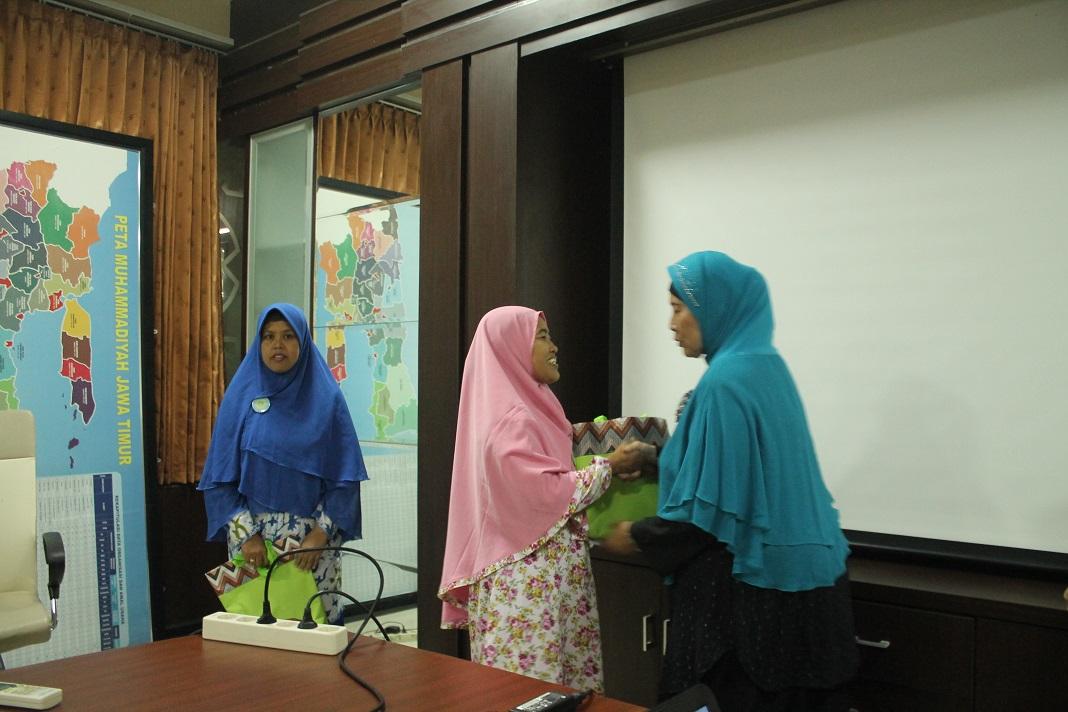 pembekalan  peserta umroh hadiah dari Wagub Jatim